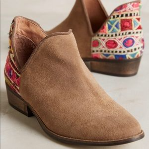 Anthropologie Howsty Leyla booties size 40!